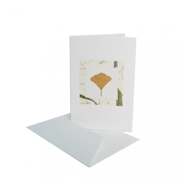 Ginkov listek na naravnem papirju