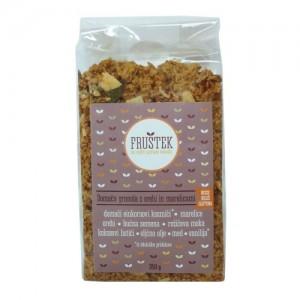 Fruštek, domača granola z orehi in marelicami